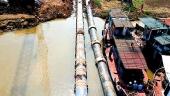 Nhà máy nước mặt sông Đuống dẫn nước sạch qua sông Hồng
