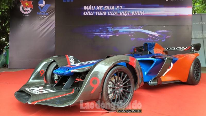 Cận cảnh siêu xe F1 'made in Vietnam'