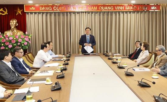 Bí thư Thành uỷ Vương Đình Huệ đề nghị các kiến trúc sư hiến kế cho công tác quy hoạch phát triển Thủ đô