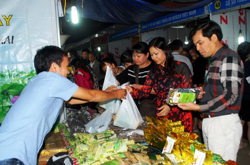 Khai mạc Hội chợ hàng Việt năm 2016