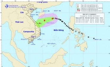 Ngày 12/11: Bão số 13 cách quần đảo Hoàng Sa 210km, gió giật cấp 11