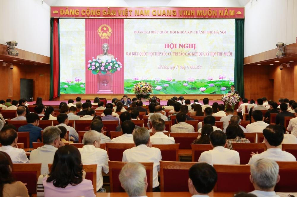 Bí thư Thành ủy Vương Đình Huệ trả lời câu hỏi của cử tri về sách giáo khoa