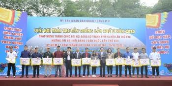 Quận Hoàng Mai tổ chức thành công Giải bơi trải truyền thống lần thứ II