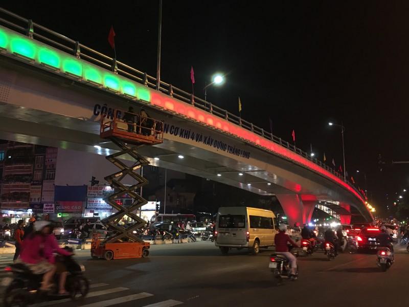 Cầu vượt Ô Đông Mác - Nguyễn Khoái trước ngày thông xe