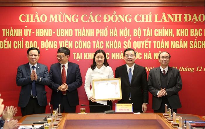 Bí thư Thành ủy Vương Đình Huệ biểu dương thành tích của Kho bạc Nhà nước Hà Nội