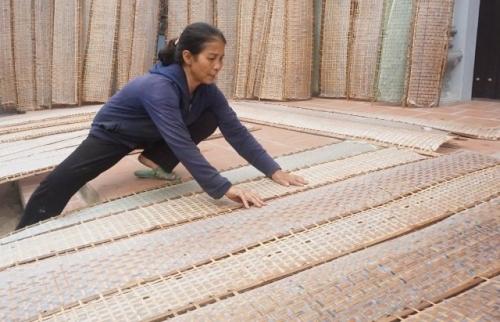 Làng nghề bánh đa nem Ngự Câu: Hối hả phục vụ thị trường Tết