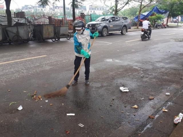 Công nhân môi trường cẩn trọng trong mùa dịch
