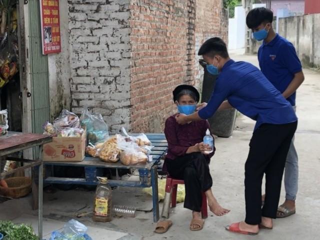 Những đoàn viên sẵn sàng góp sức trẻ, chống dịch