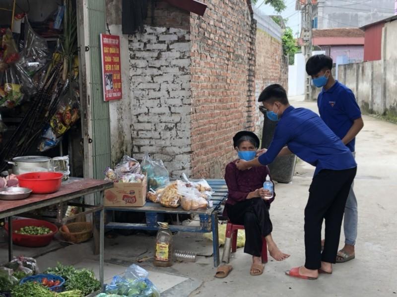 Những bước chân không nghỉ của áo xanh tình nguyện