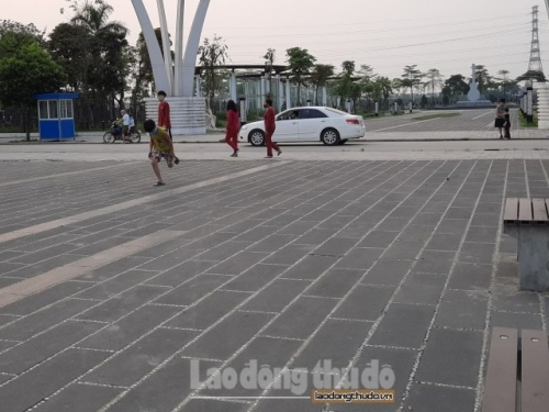 Người dân vẫn tập thể dục nơi công cộng