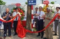 Gắn biển hai tuyến phố Nguyễn Thanh Bình và Vũ Văn Cẩn