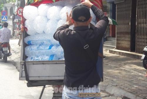 Những lưu ý khi sử dụng nước đá vào ngày hè