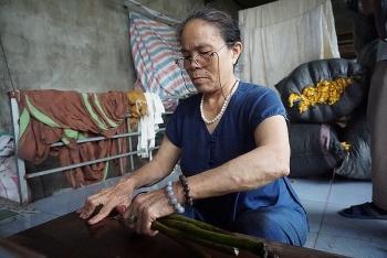 Gìn giữ nghề truyền thống tại làng dệt Phùng Xá