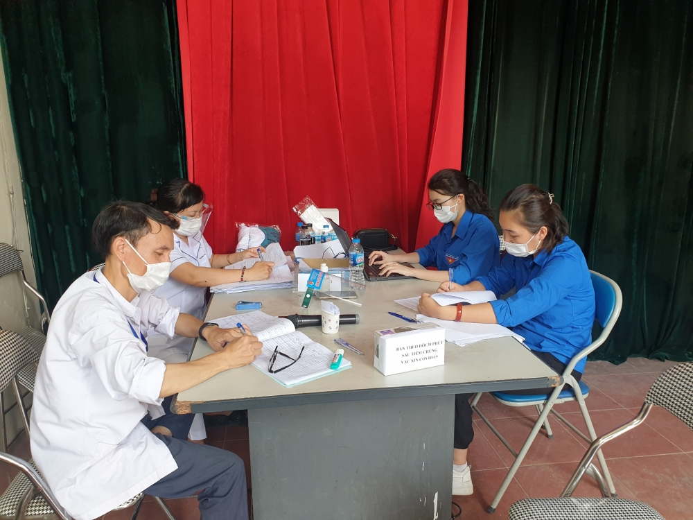 Lao động tự do và sinh viên góp sức cùng chống dịch