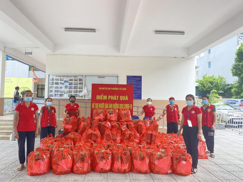 Người lao động tự do và sinh viên góp sức cùng chống dịch