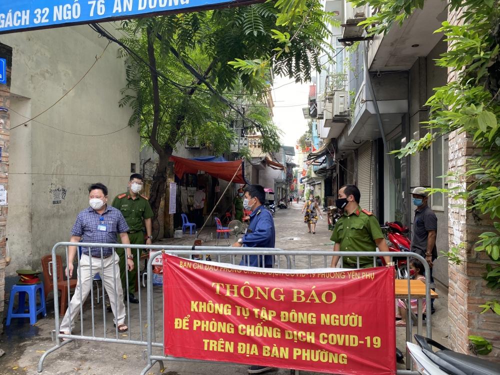 Quận Tây Hồ: Truy vết, khoanh vùng, lấy hơn 1.800 mẫu xét nghiệm tại phường Yên Phụ