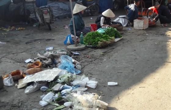 An toàn thực phẩm tại các chợ dân sinh: Tin nhau là chính