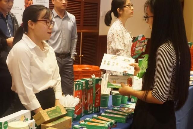 Hà Nội: Tiểu thương chung tay cắt giảm sử dụng túi ni lông