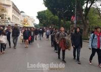 Không gian đi bộ hồ Hoàn Kiếm thu hút hàng triệu du khách
