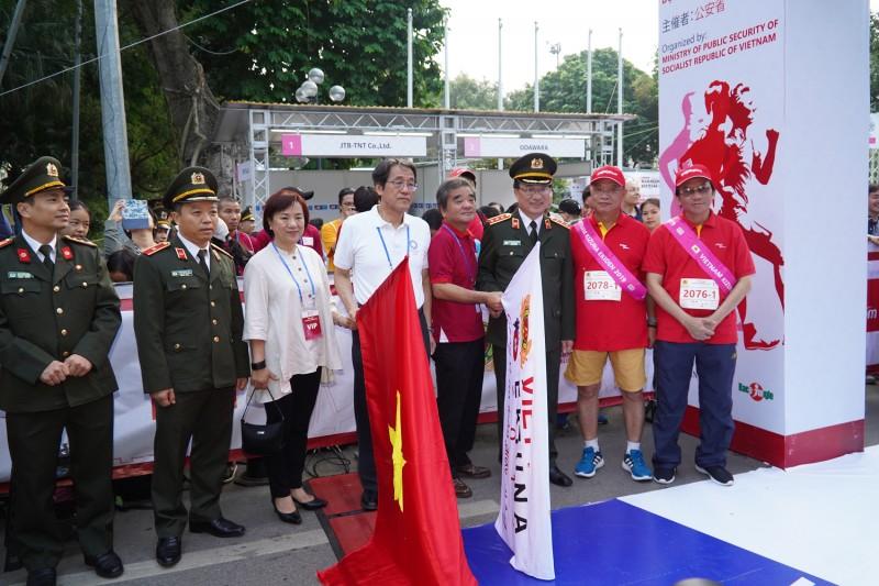 Giải chạy tiếp sức Kizuna Ekiden 2019: Gắn kết quan hệ Việt Nam - Nhật Bản