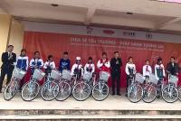 Trao tặng 330 xe đạp cho học sinh giỏi có hoàn cảnh khó khăn