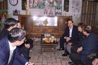 Mang Tết đến với giáo viên có hoàn cảnh khó khăn tỉnh Bắc Giang