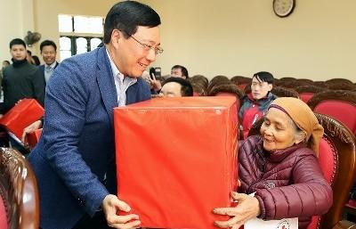 Mang Tết đến với các hộ nghèo, gia đình chính sách tại Nam Định