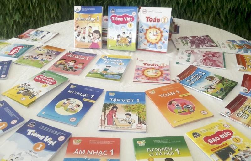 Công bố giá 4 bộ sách giáo khoa lớp 1