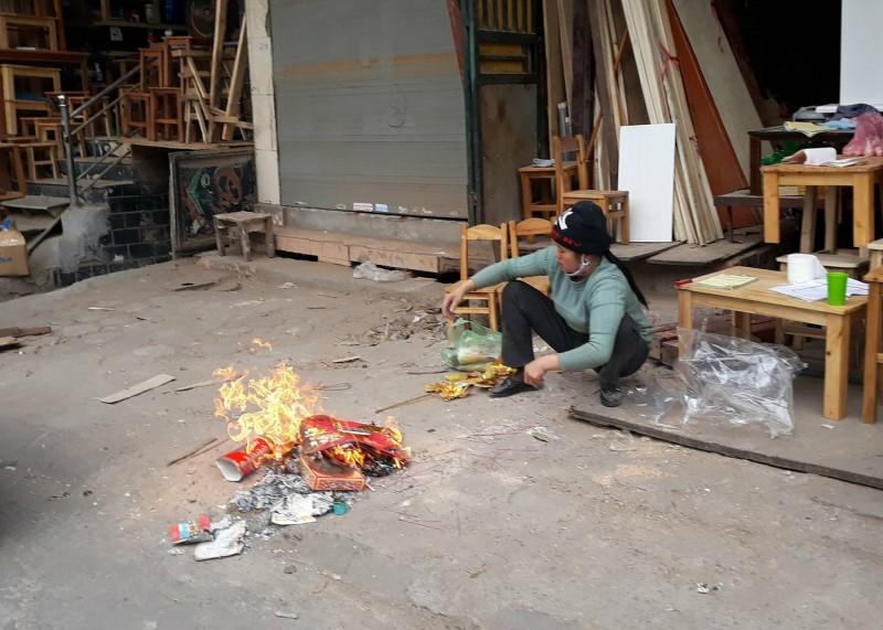 """Đốt vàng mã dịp tết Mậu Tuất 2018: Coi chừng rước """"hỏa"""" vào nhà"""