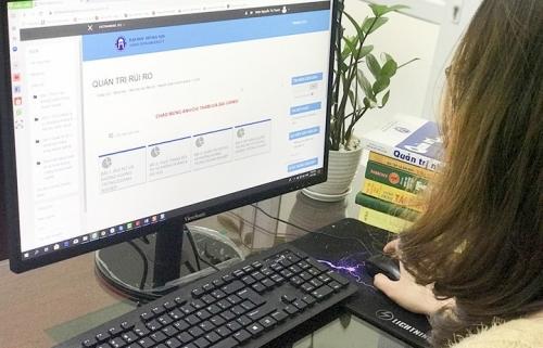 Học online giữa mùa dịch virus Corona