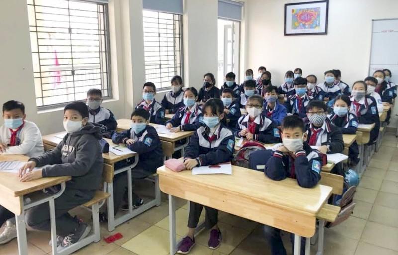 Trường ngoài công lập Hà Nội được thu tiền hỗ trợ học online