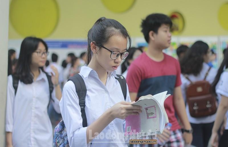 Chỉ tổ chức kỳ thi tuyển sinh vào lớp 10 khi học sinh hoàn thành đủ chương trình học