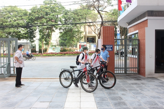 Hà Nội: Học sinh trở lại trường học từ ngày 2/3