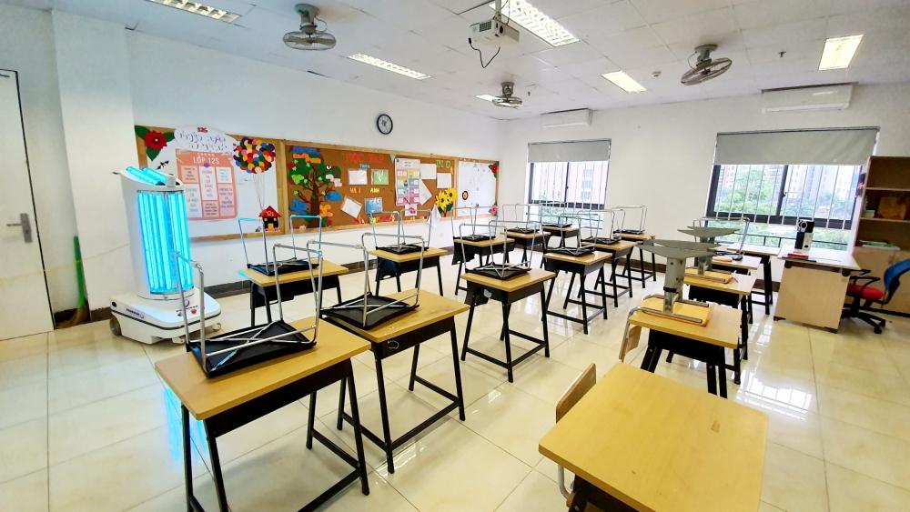 Vệ sinh trường lớp, chuẩn bị các điều kiện an toàn để đón học sinh
