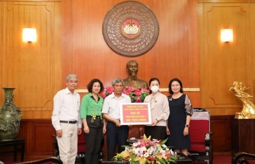 Trường Trung học phổ thông Trí Đức tiếp tục ủng hộ 300 triệu đồng