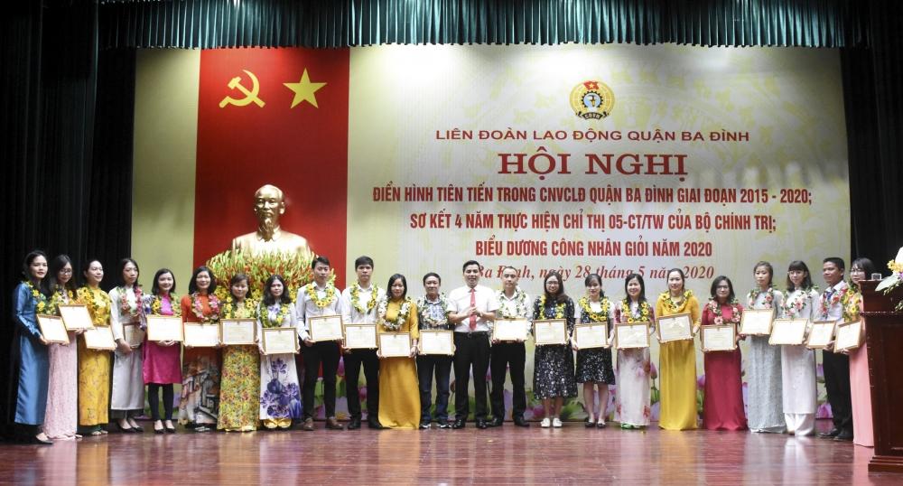 Đẩy mạnh các phong trào thi đua trong công nhân viên chức lao động quận Ba Đình