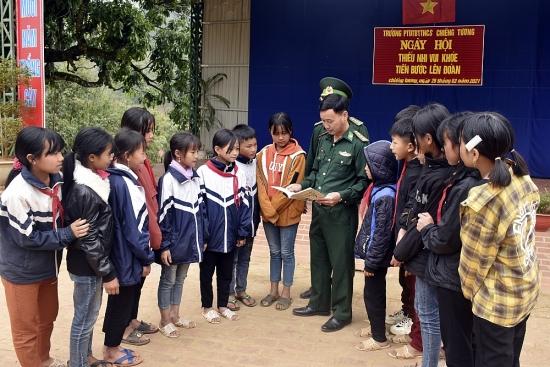 Tự hào những người lính mang quân hàm xanh