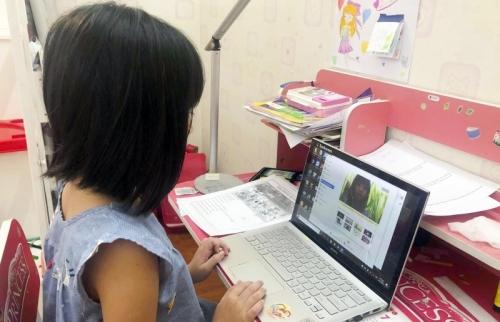 Dạy học trực tuyến: Nỗ lực từ những địa phương vùng khó