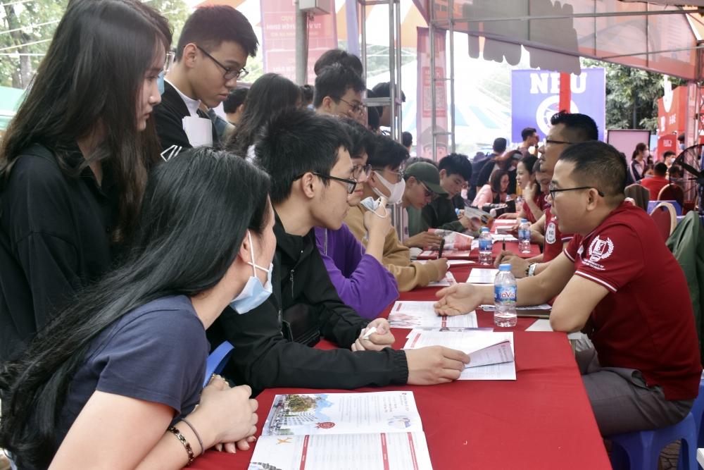 Ngày hội tư vấn tuyển sinh - hướng nghiệp 2021: Giúp học sinh xác định đúng năng lực bản thân để chọn trường, ngành phù hợp