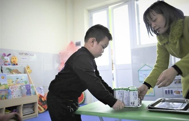 Hơn 1 triệu trẻ mẫu giáo, học sinh tiểu học Hà Nội uống sữa học đường
