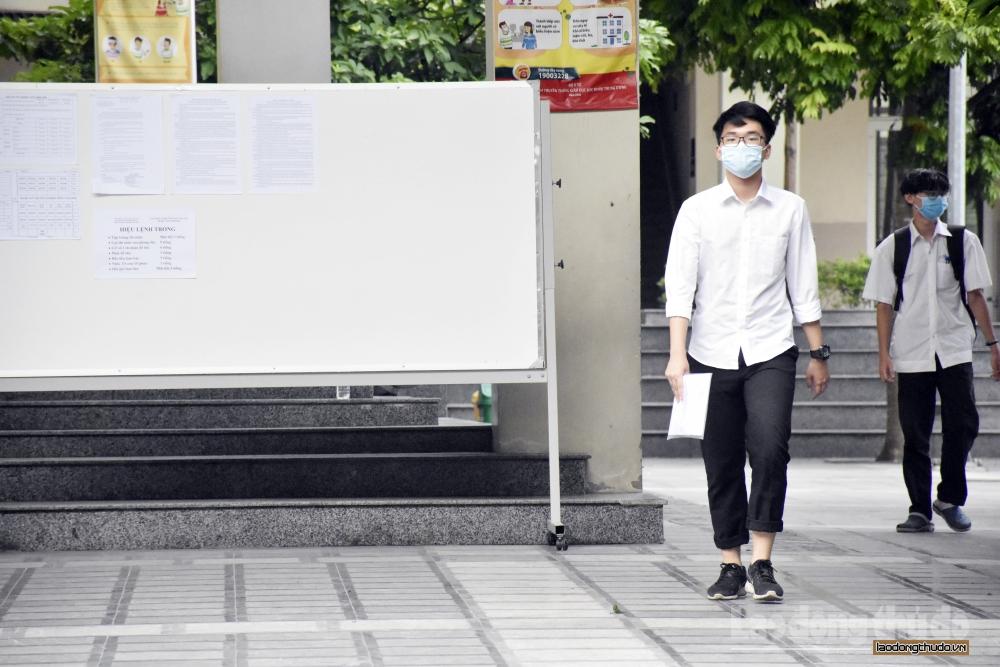 Hà Nội: Học sinh lớp 9 và lớp 12 không ra khỏi Thành phố