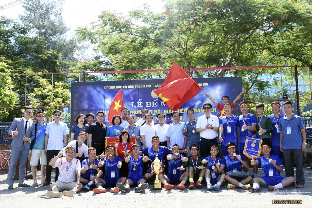 Bế mạc Giải bóng đá nam cán bộ, giáo viên, nhân viên năm học 2019 - 2020