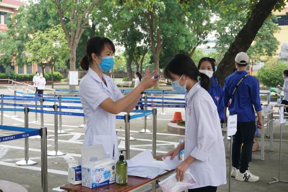 Hà Nội: Tuyển thẳng 21 học sinh F0, F1 vào lớp 10