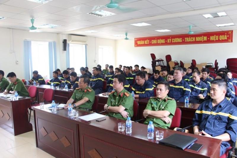Huấn luyện nghiệp vụ cứu nạn, cứu hộ trong môi trường khí độc