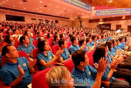 Mít tinh trọng thể kỷ niệm 90 năm ngày thành lập Công đoàn Việt Nam
