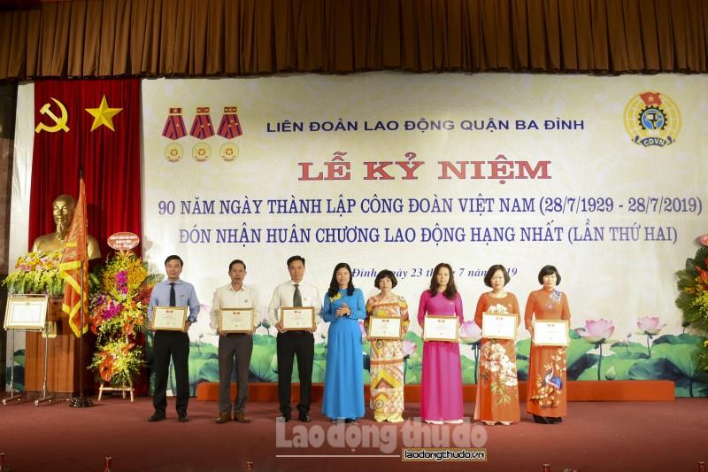 ldld quan ba dinh vinh du don nhan huan chuong lao dong hang nhat lan thu hai