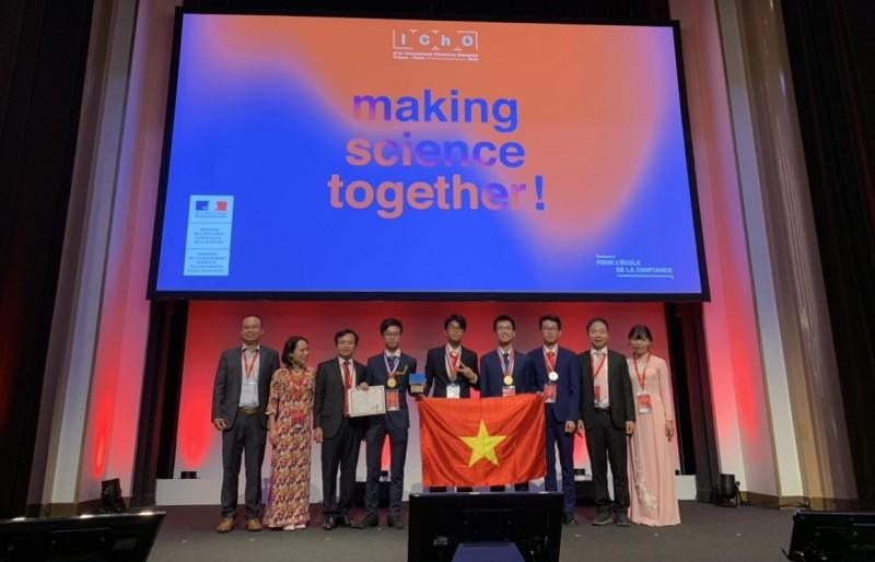 Học sinh Việt Nam lọt top điểm cao nhất tại Olympic Hóa học quốc tế năm 2019