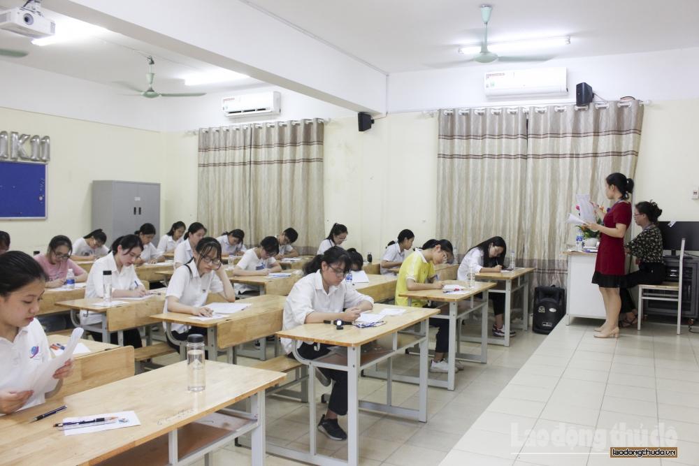 Gần 89.000 thí sinh Hà Nội bước vào môn thi đầu tiên kỳ thi vào tuyển sinh vào lớp 10