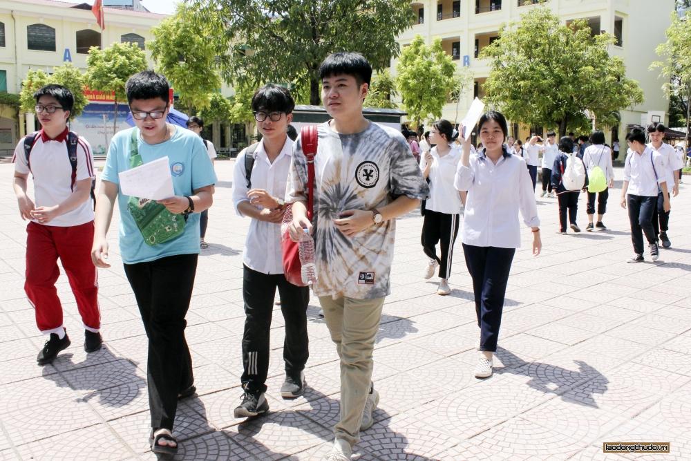 Hà Nội công bố điểm thi vào lớp 10 năm học 2020 - 2021