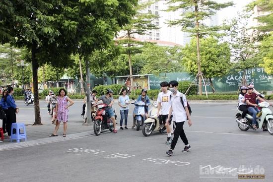 Gần 89.000 thí sinh Hà Nội bước vào thi môn Toán